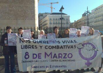 8 de marzo. Huelga general estudiantil  ¡Nos queremos vivas! ¡Libres y combativas!