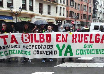 Las y los trabajadores de la OTA de Bilbo continuarán en huelga si no se readmite a las personas despedidas