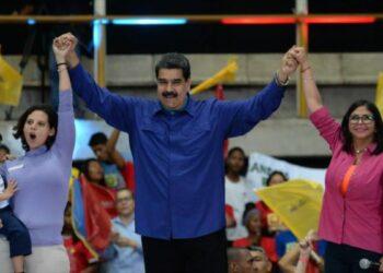 Venezuela. Encuesta: 55 % de la población ratifica reelección de Maduro