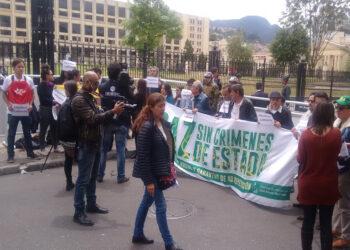 """IU denuncia """"los asesinatos impunes de líderes sociales y de candidatos de las FARC por el paramilitarismo"""" que """"ponen en peligro la paz y el proceso político preelectoral en Colombia"""""""