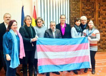 Arcópoli muestra su satisfacción por el interés del Defensor del Pueblo ante la inacción en la ley Trans madrileña