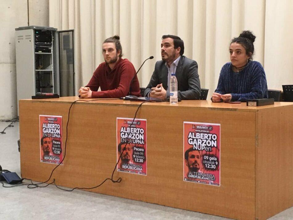 """Garzón reclama a la dirección del PSOE que """"reconsidere su negativa"""" de no apoyar ahora la reforma electoral a la que se comprometió y recuerda que """"nunca más va a gobernar este país un solo partido"""""""