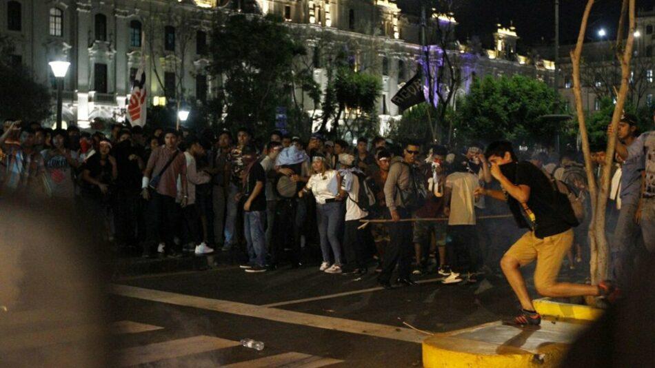 """Protestas en todo Perú por la llamada """"Ley del esclavo juvenil"""""""