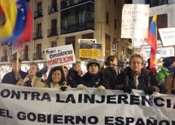 Concentración frente al Ministerio de Exteriores contra la injerencia española en Venezuela