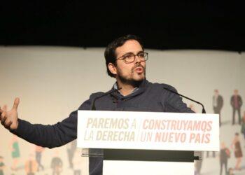 """Garzón llama a """"articular en un nuevo modelo de país"""" todas las respuestas frente a esa """"derecha de Rajoy y de Rivera"""" que impone una """"precariedad permanente"""""""