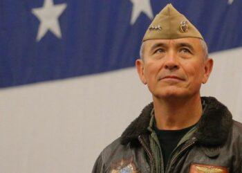 Un almirante del ejército estadounidense declara ante el Congreso que: «EE.UU. debe prepararse para una posible guerra con China»