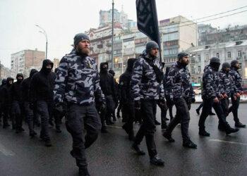 Los neonazis ya patrullan las calles de Ucrania en sustitución de la policía