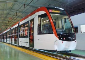 Alemania estudia hacer gratuito el transporte público; en Argentina, todo lo contrario