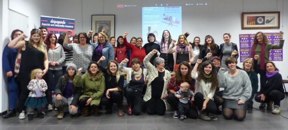 Caminando hacia la Huelga Feminista: «Con el Feminismo en los Talones»
