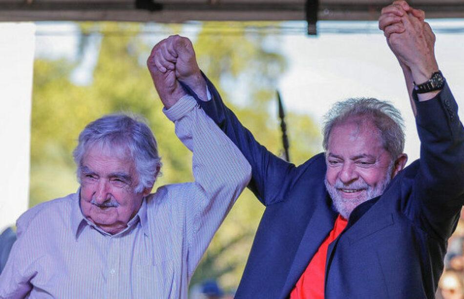 Cuatro ex presidentes sudamericanos se reúnen en caravana de Lula por el sur de Brasil