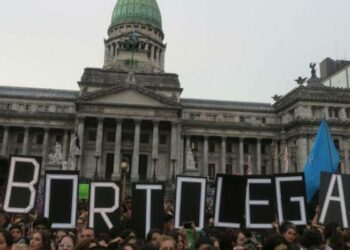 Argentina. El martes, 20M, arranca en Diputados la discusión formal por la legalización del aborto/ Seis de cada diez argentinos apoyan la despenalización