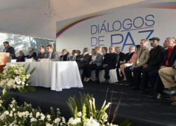 Gobierno colombiano y ELN reanudan diálogos de paz este jueves en Quito, Ecuador