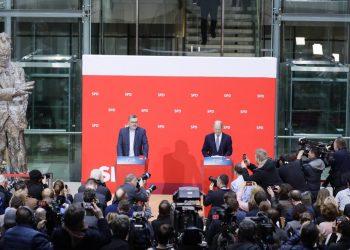 Socialdemócratas de Alemania aprueban una coalición con Angela Merkel tras meses de incertidumbre