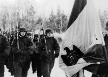 """Emplazan al Gobierno a explicar """"por qué no hay dinero para acabar con las fosas de víctimas del franquismo y sí para repatriar restos de soldados fascistas de la División Azul"""""""