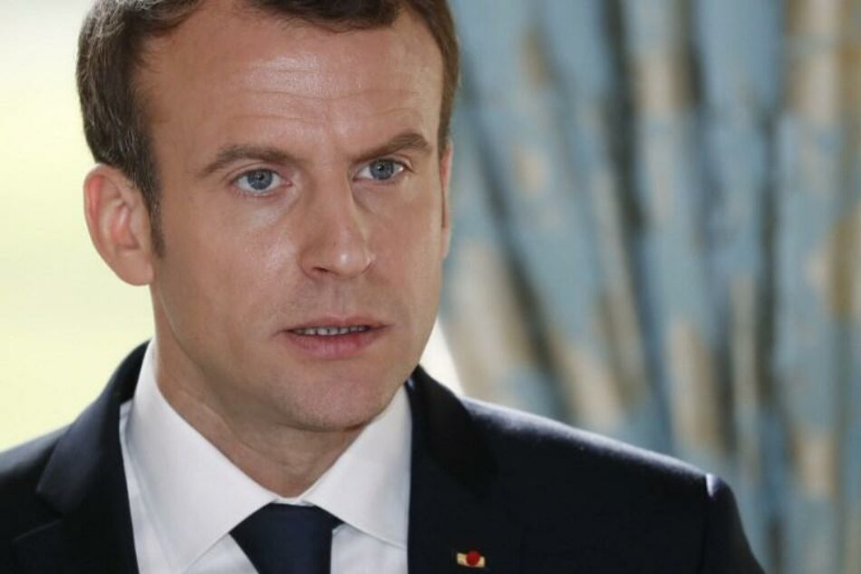 Emmanuel Macron se reúne con una delegación de las milicias kurdas