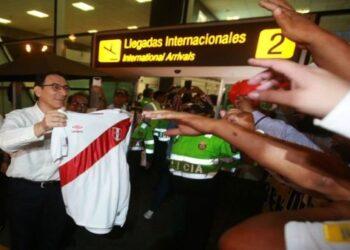 Martín Vizcarra presto para jurar como presidente de Perú