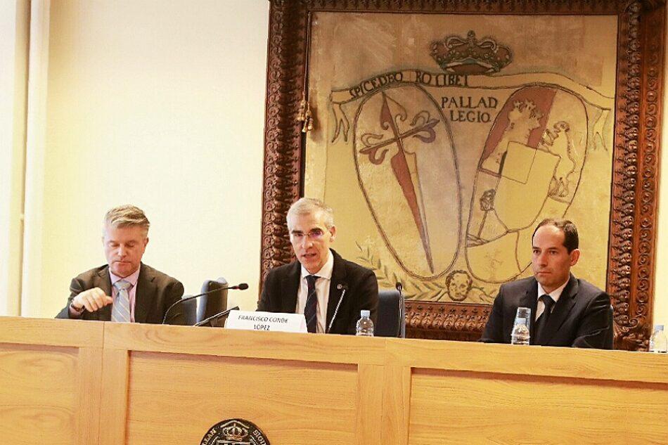 La Xunta y la USC organizan entre críticas una jornada sobre la polémica Ley de fomento de la implantación de iniciativas empresariales en Galicia