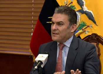 El Congreso de Ecuador destituye a su presidente e inicia juicio político contra el fiscal general