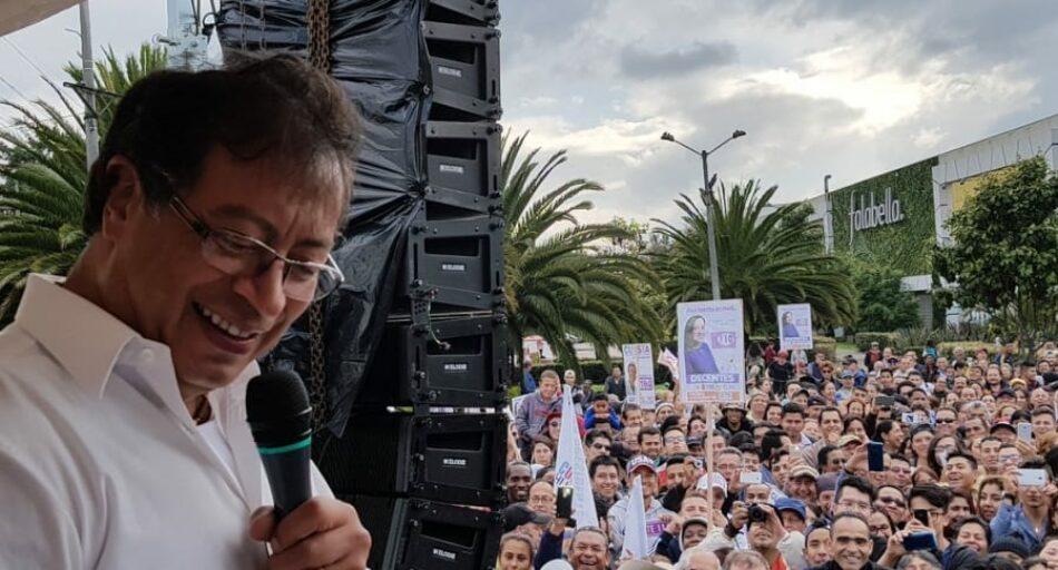 El candidato de izquierda, Gustavo Petro, lidera los sondeos en las elecciones presidenciales de Colombia