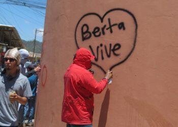 A 25 meses, los autores intelectuales siguen libres. En junio iniciará el juicio contra los involucrados en el asesinato de Berta Cáceres