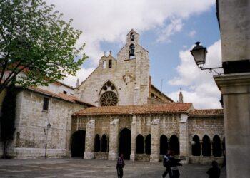 La justicia frena la inmatriculación de la Iglesia de San Francisco por parte de la Diócesis en Palencia