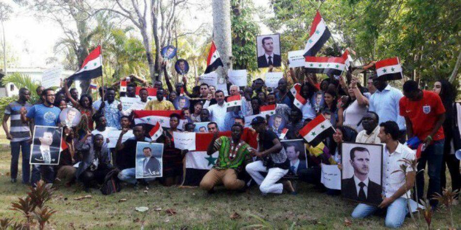 Acto de solidaridad en Cuba en condena y rechazo a la agresión tripartita