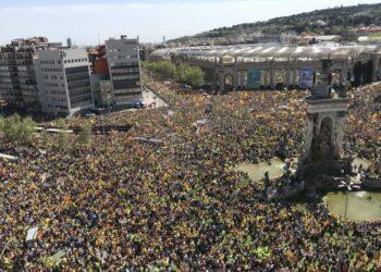 Cientos de miles de personas se manifiestan en Barcelona por la libertad de los presos políticos