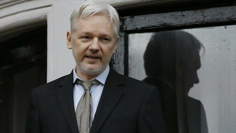 Correa: Assange, sometido a 'tortura' en la embajada de Londres