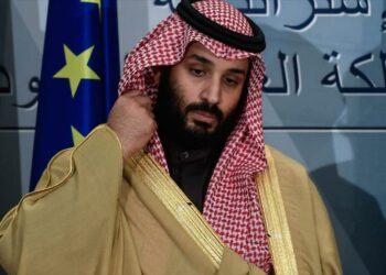 Príncipe heredero saudí fue herido de bala frente al palacio real