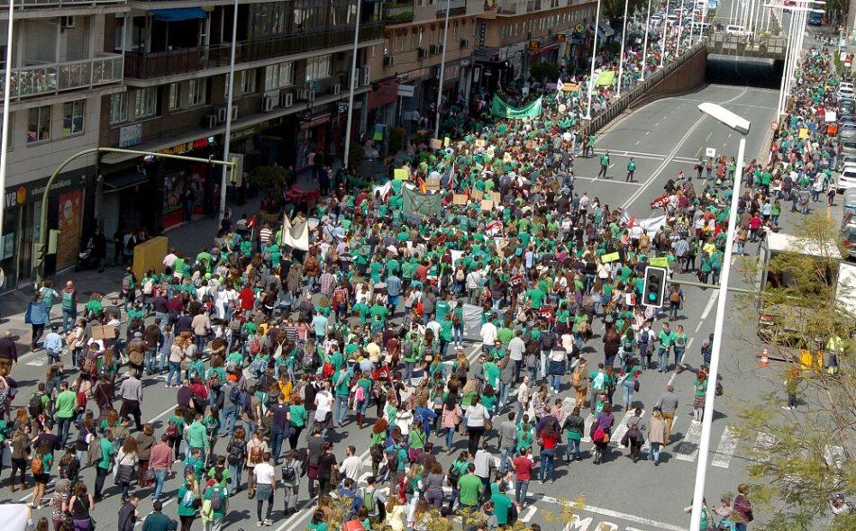 El profesorado interino andaluz irá a la huelga indefinida en su lucha por un plan de estabilidad a partir del próximo lunes 14 de mayo