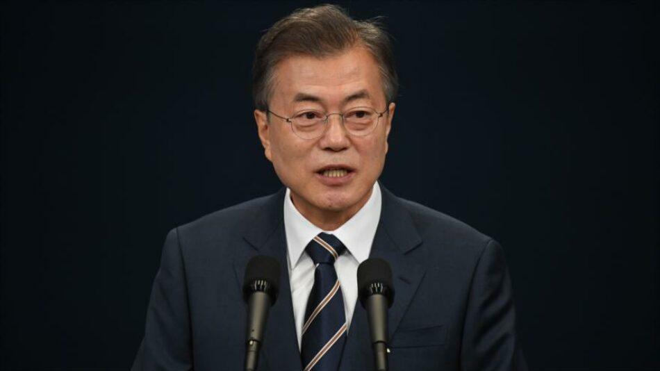 Moon Jae-in propone una cumbre con Kim Jong-un y Donald Trump para establecer la paz en Corea