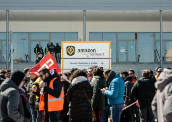 Los sindicatos anuncian nuevas movilizaciones en el almacén de Amazon en San Fernando de Henares