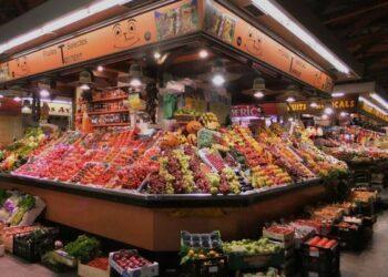 Catalunya en Comú Podem registra una iniciativa perquè els comerços tanquin a les 21h durant tot l'any
