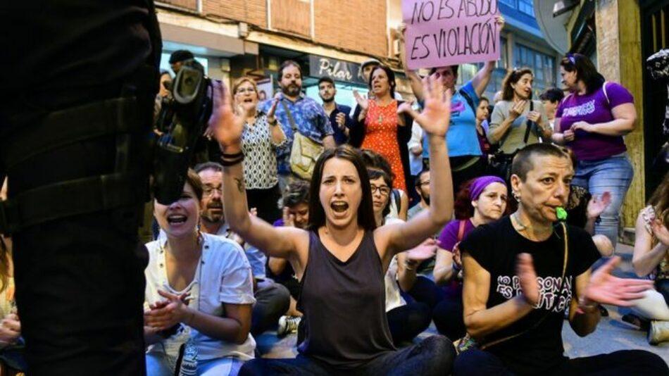 """Comunicado en relación a la represión policial ejercida el pasado 26 de abril en la concentración de repulsa contra la sentencia de """"La Manada"""" que cercó al ministro Catalá en Córdoba"""