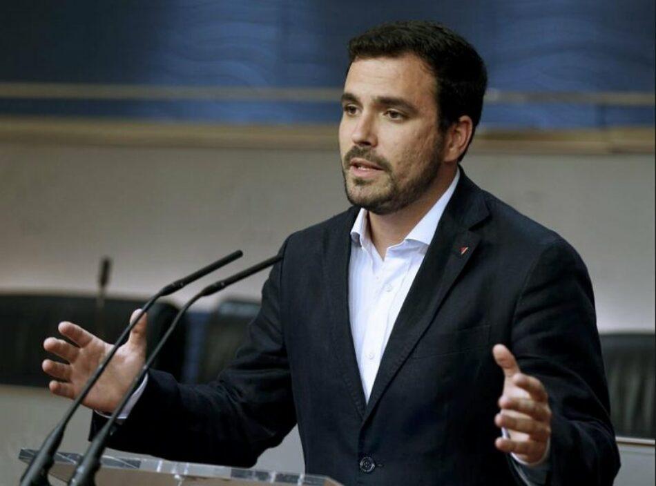 """Alberto Garzón advierte de que la sentencia de la 'trama Gürtel' """"hace imposible que Rajoy pueda seguir por más tiempo al frente del Gobierno de este país"""""""