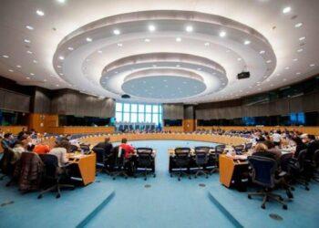 El Parlamento Europeo examina hoy la petición presentada por el Consejo de Informativos mientras continúan las dimisiones en protesta a la censura en TVE