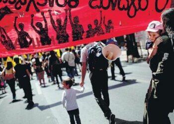 Grecia inicia huelga general contra medidas de austeridad