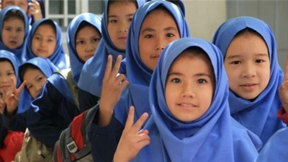 En Irán se matriculan 103 000 estudiantes inmigrantes indocumentados