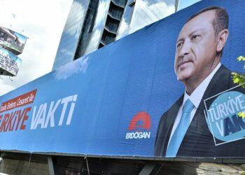Turquía afronta sus primeras elecciones tras la reforma constitucional