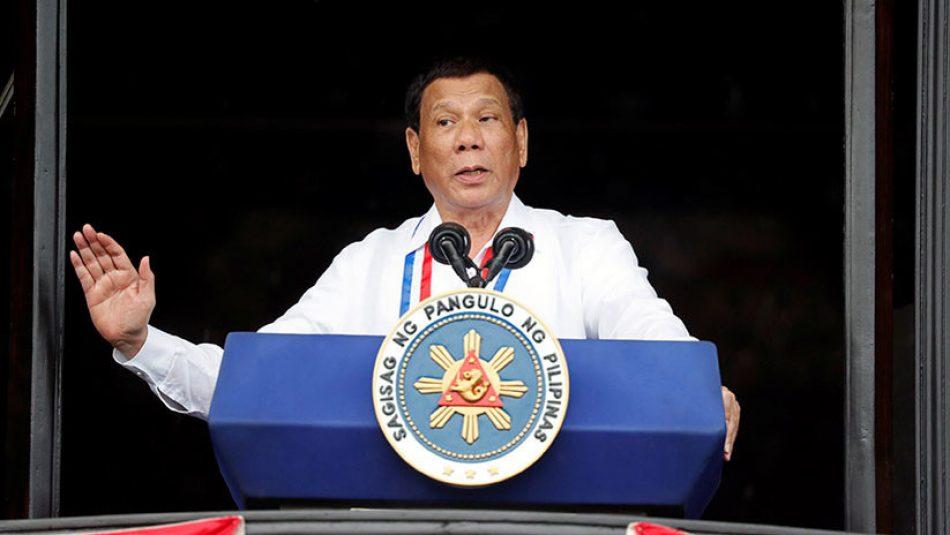 Duterte: «Su Dios es estúpido, el mío tiene sentido común»