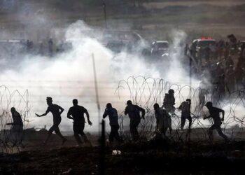 Al menos 2 muertos y más de 400 heridos en nuevas protestas en la frontera de Gaza