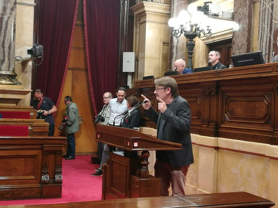 """Domènech pregunta si """"allò que és bo per fer fora el PP a Espanya"""" no ho és per """"fer avançar Catalunya"""""""