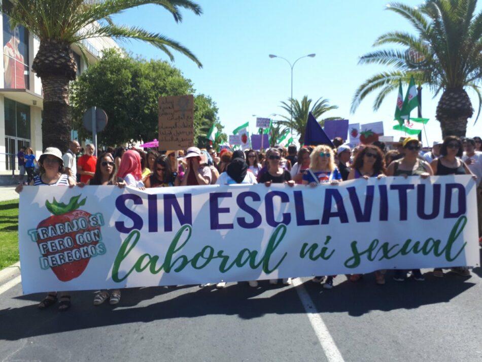 Podemos Andalucía denuncia la situación de las trabajadoras temporeras marroquíes en Huelva