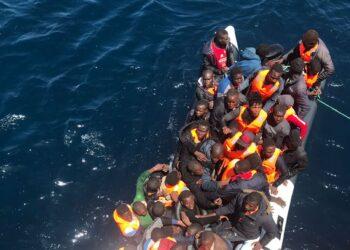 El incremento de la llegada de pateras pone en al límite al personal de los medios de Salvamento Marítimo