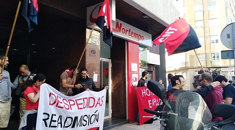 Concentraciones contra el despido de 20 camareras de piso por parte del Hotel Bahía de Vigo