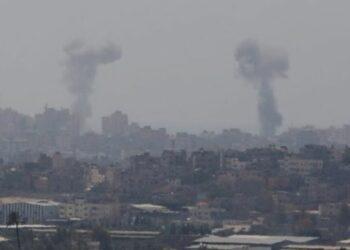 La aviación israelí bombardea Gaza en respuesta a un supuesto ataque de los islamistas de Hamas