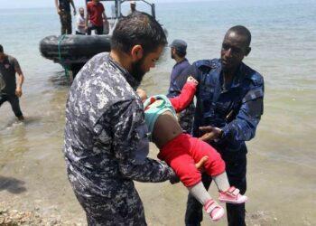 Más de 100 personas mueren en un naufragio en las costas de Libia