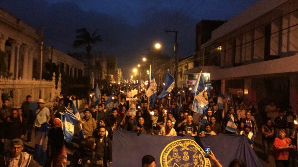 Guatemala: Piden renuncia del presidente Morales y otros funcionarios tras tragedia del Volcán de Fuego