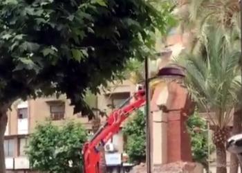 Derribada La Vall d'Uixó, una cruz fascista «a los caídos» en la Comunidad Valenciana