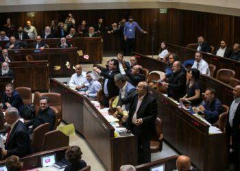 Israel aprueba una ley que define a Palestina como 'patria judía'